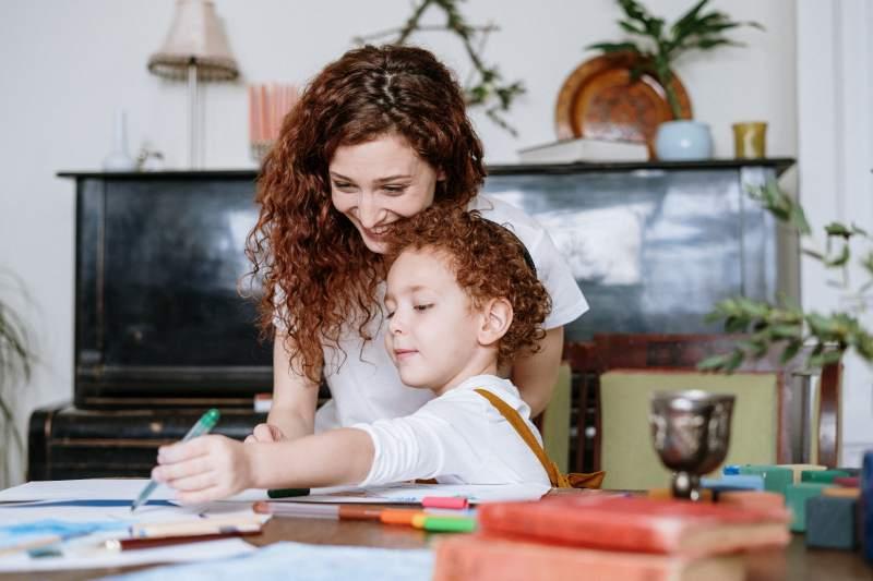 Când și cum ar trebui să îi spunem copilului NU?